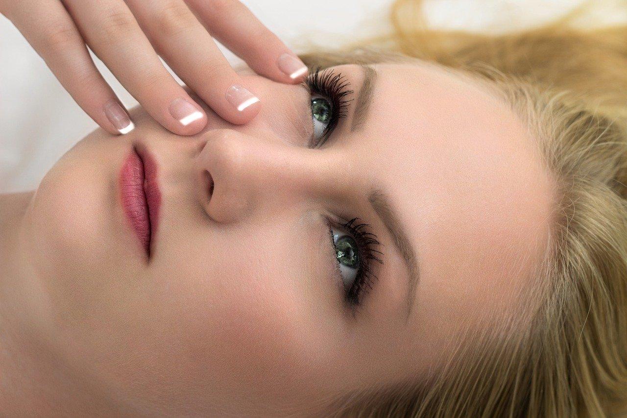 cosmetics 4050088 1280