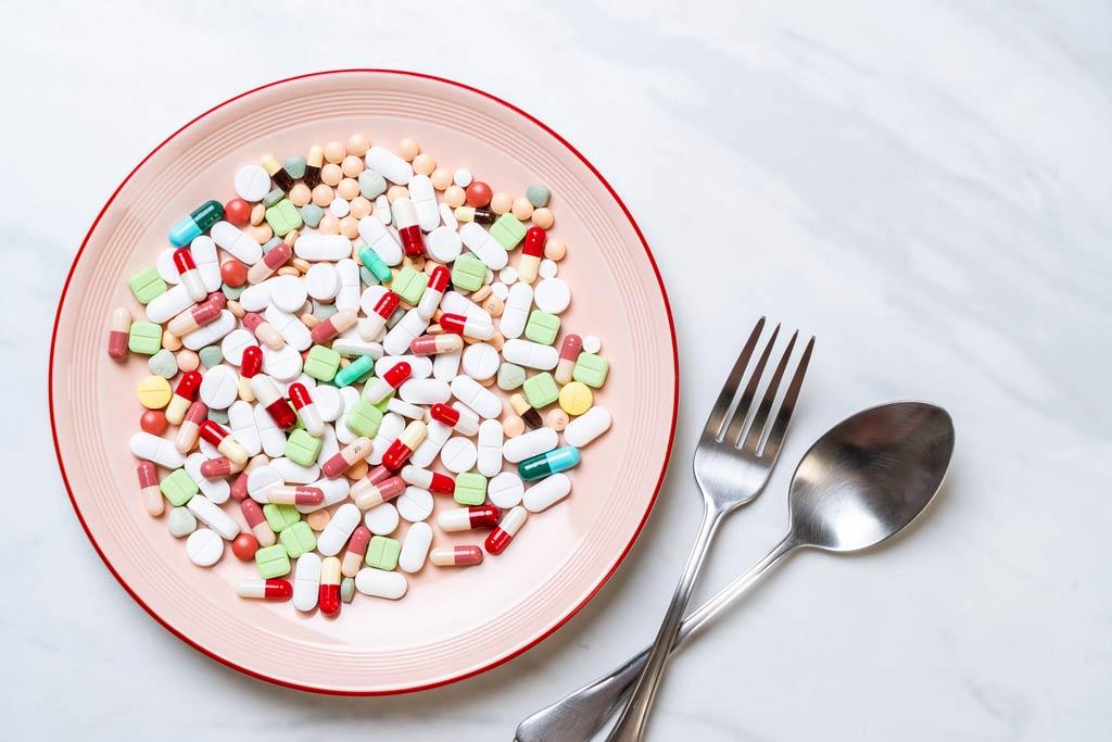 dobre suplementy diety talerz
