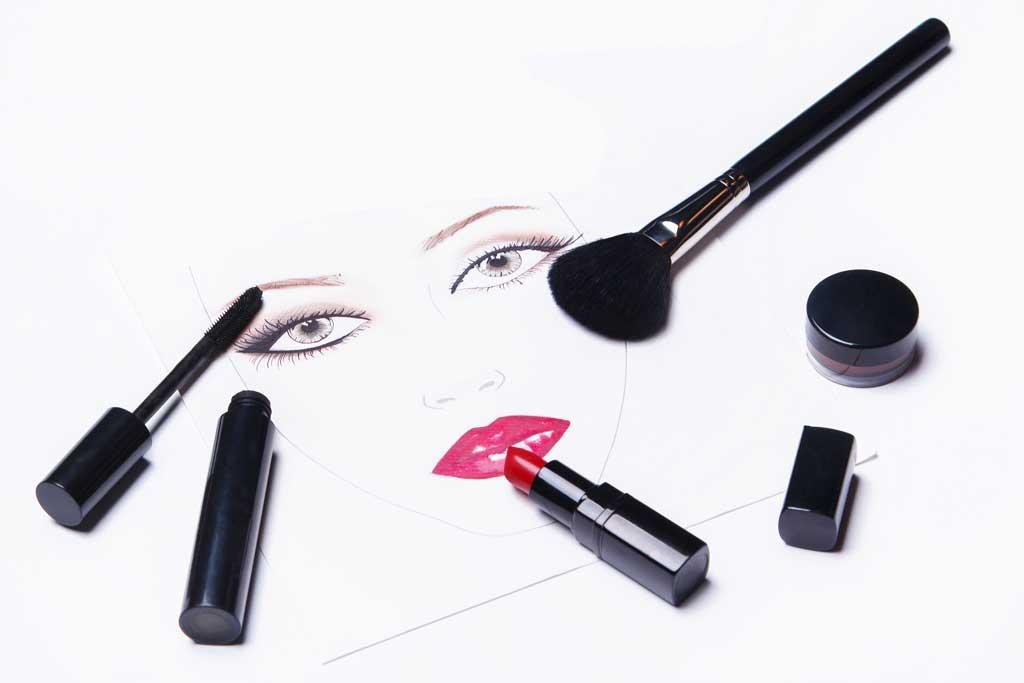 Kolorowe i do tego naturalne kosmetyki do makijażu?