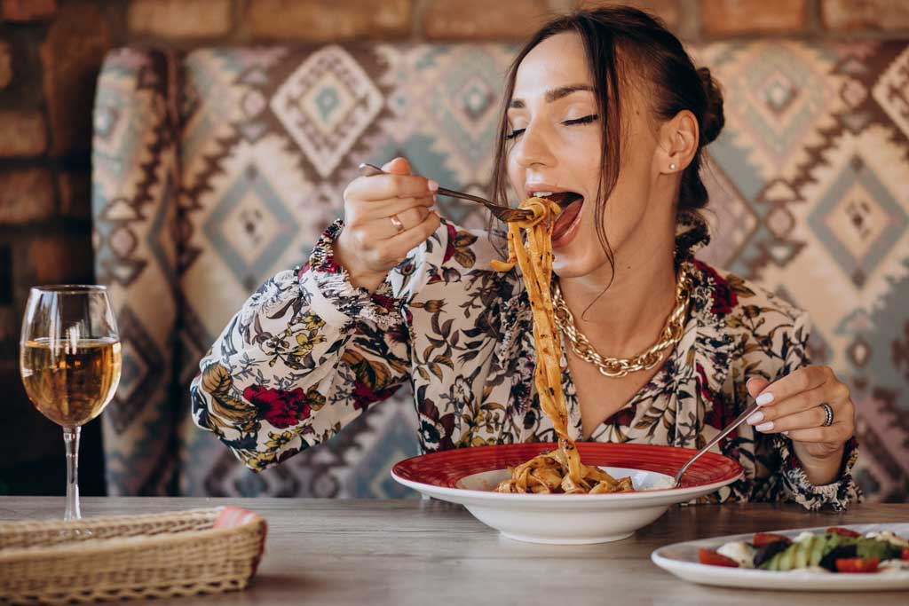 schudnąć bez liczenia kalorii - jedz uważnie